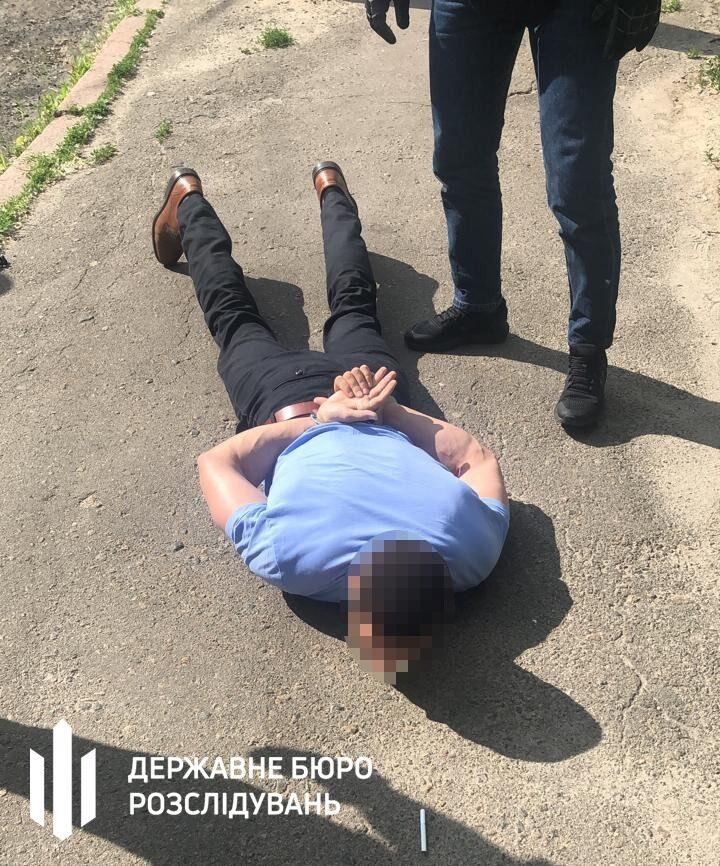 Мужчину поймали на горячем.