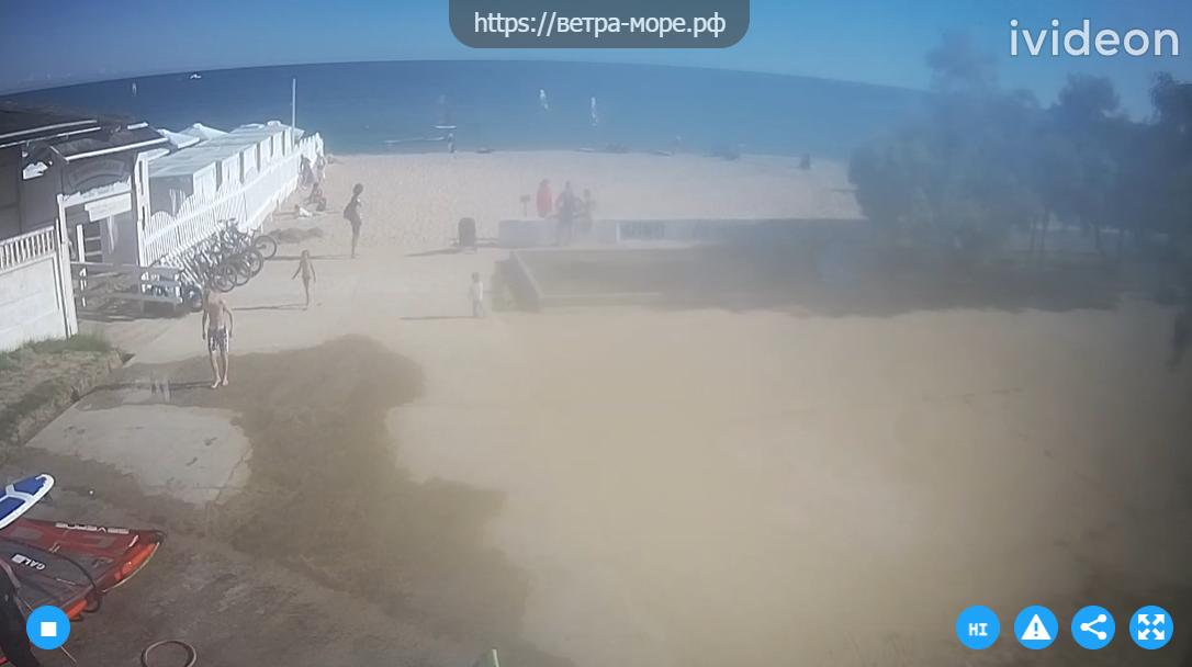 На пляжах и набережных Крыма на данный момент не наблюдается большой наплыв туристов