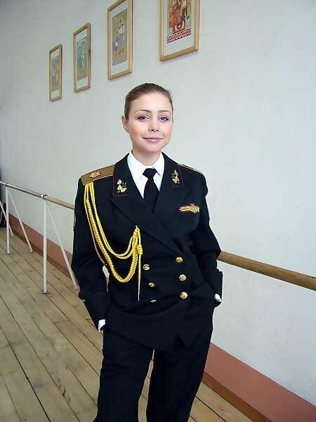 Тина Кароль стала солисткой Ансамбля Вооруженных сил Украины