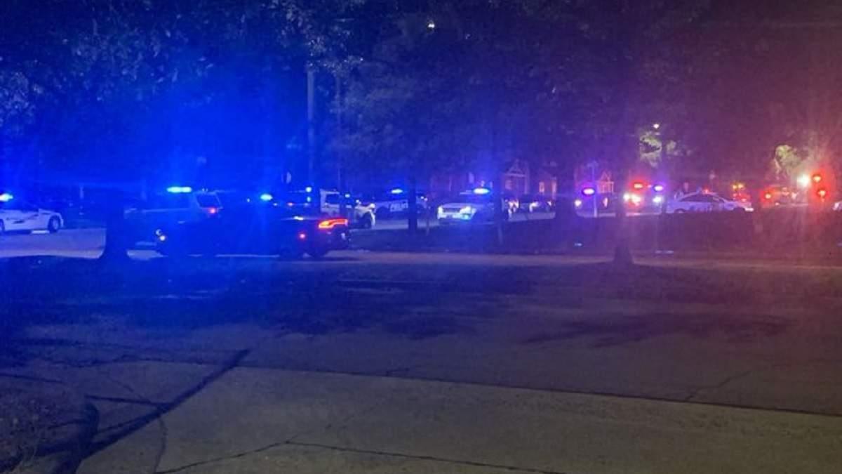 В результате стрельбы погиб один человек.