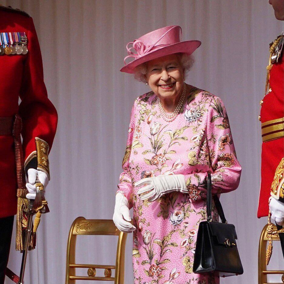 Єлизавета II на заході