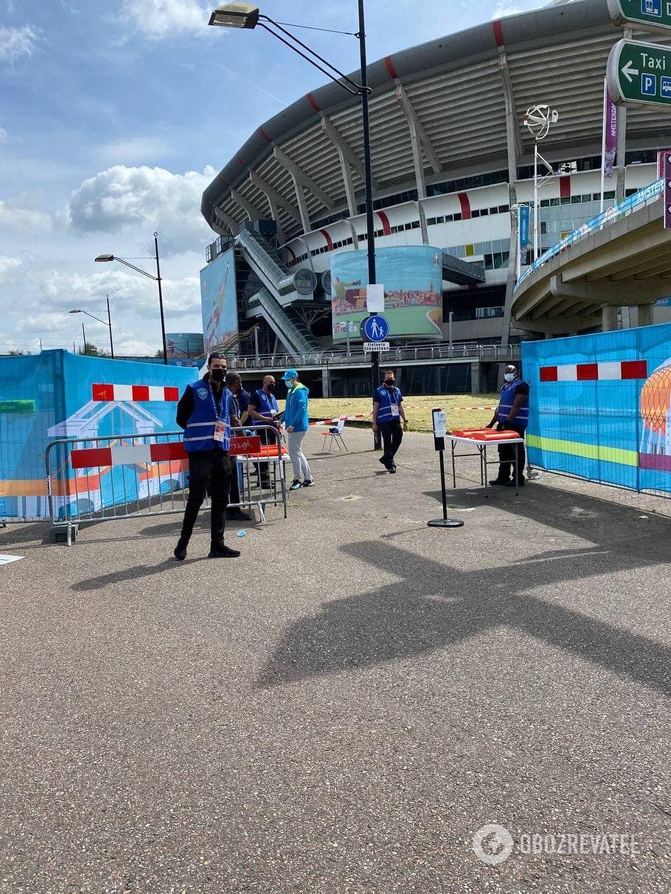 Вход на стадион.