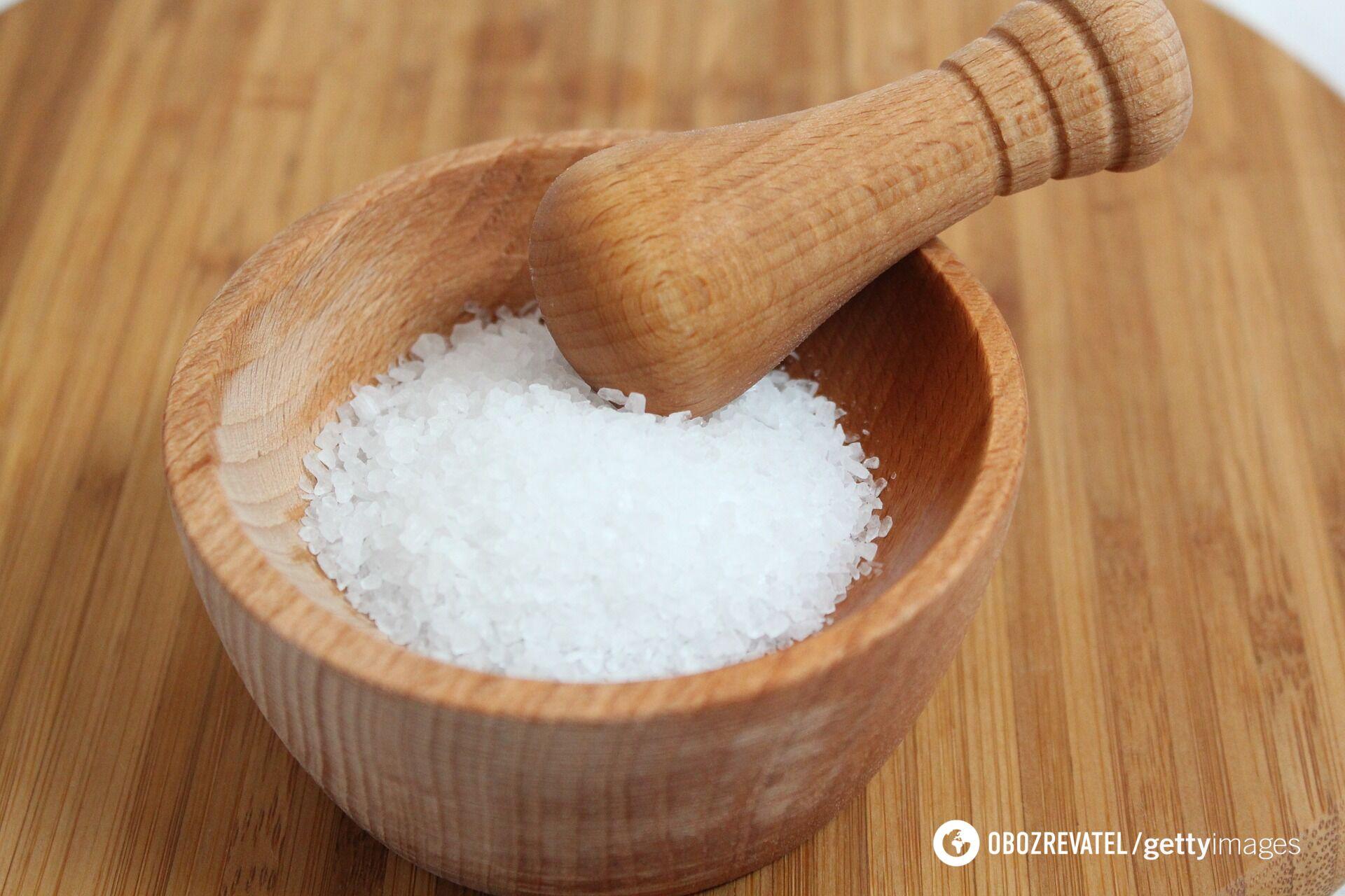 Соль нужно обязательно добавлять в тесто