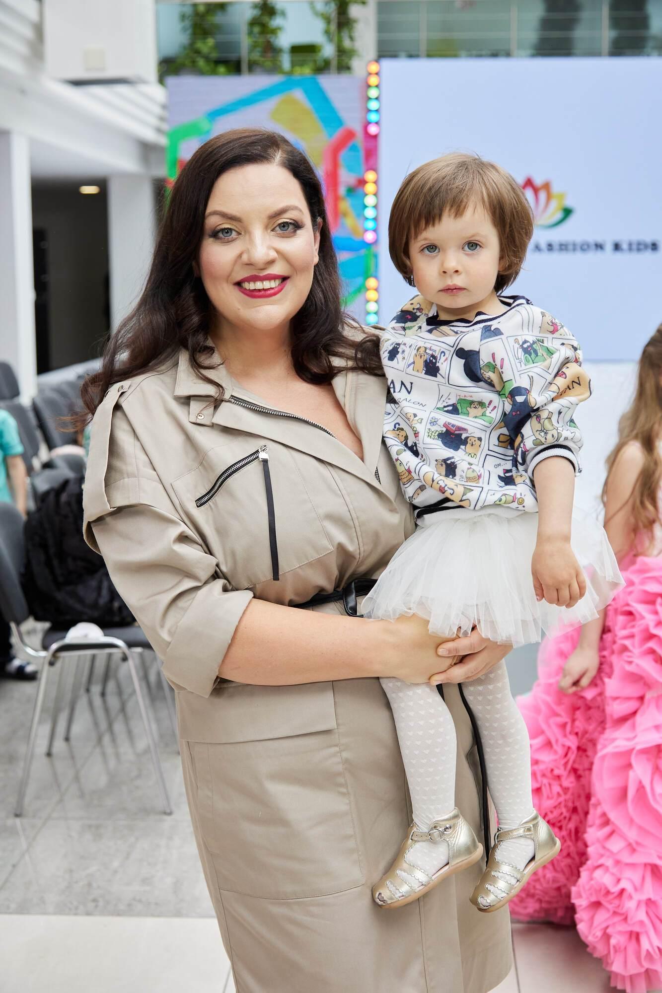 Наталия Холоденко с ребенком.