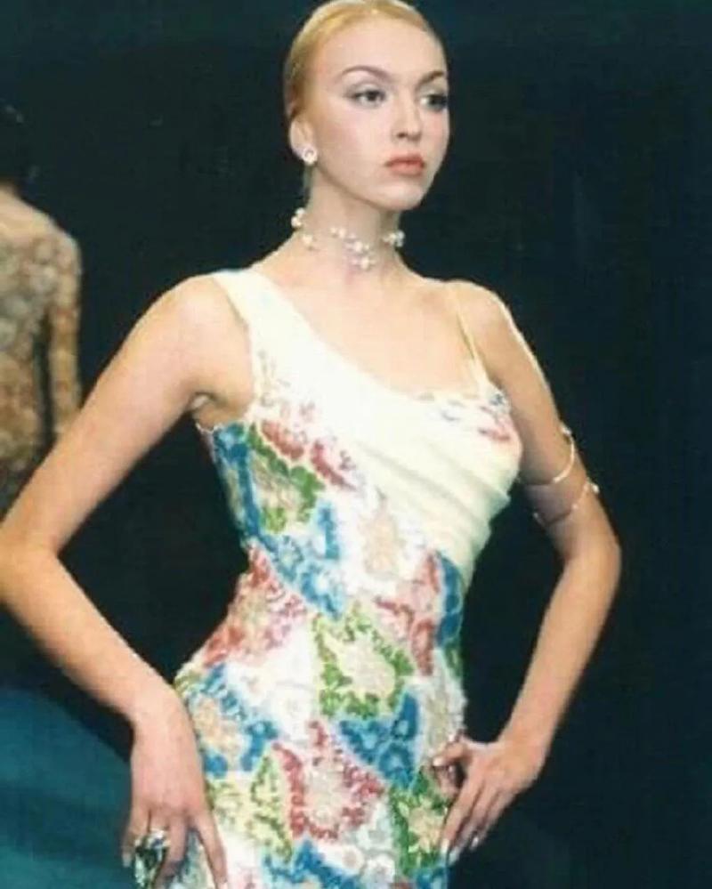 Оля Полякова також була моделлю