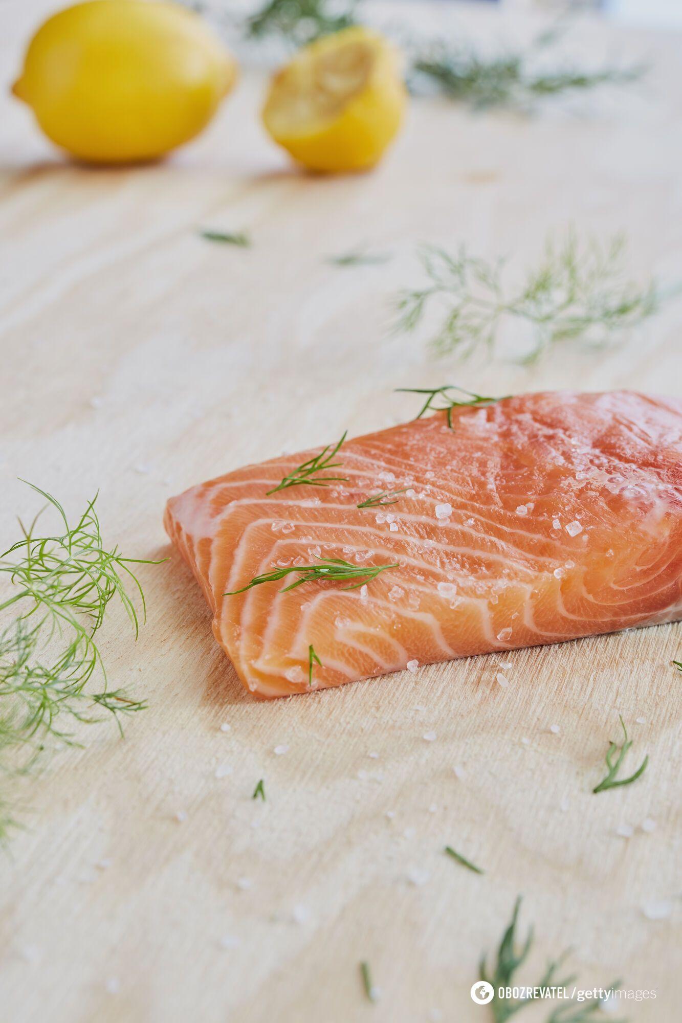 Як вдома засолити червону рибу