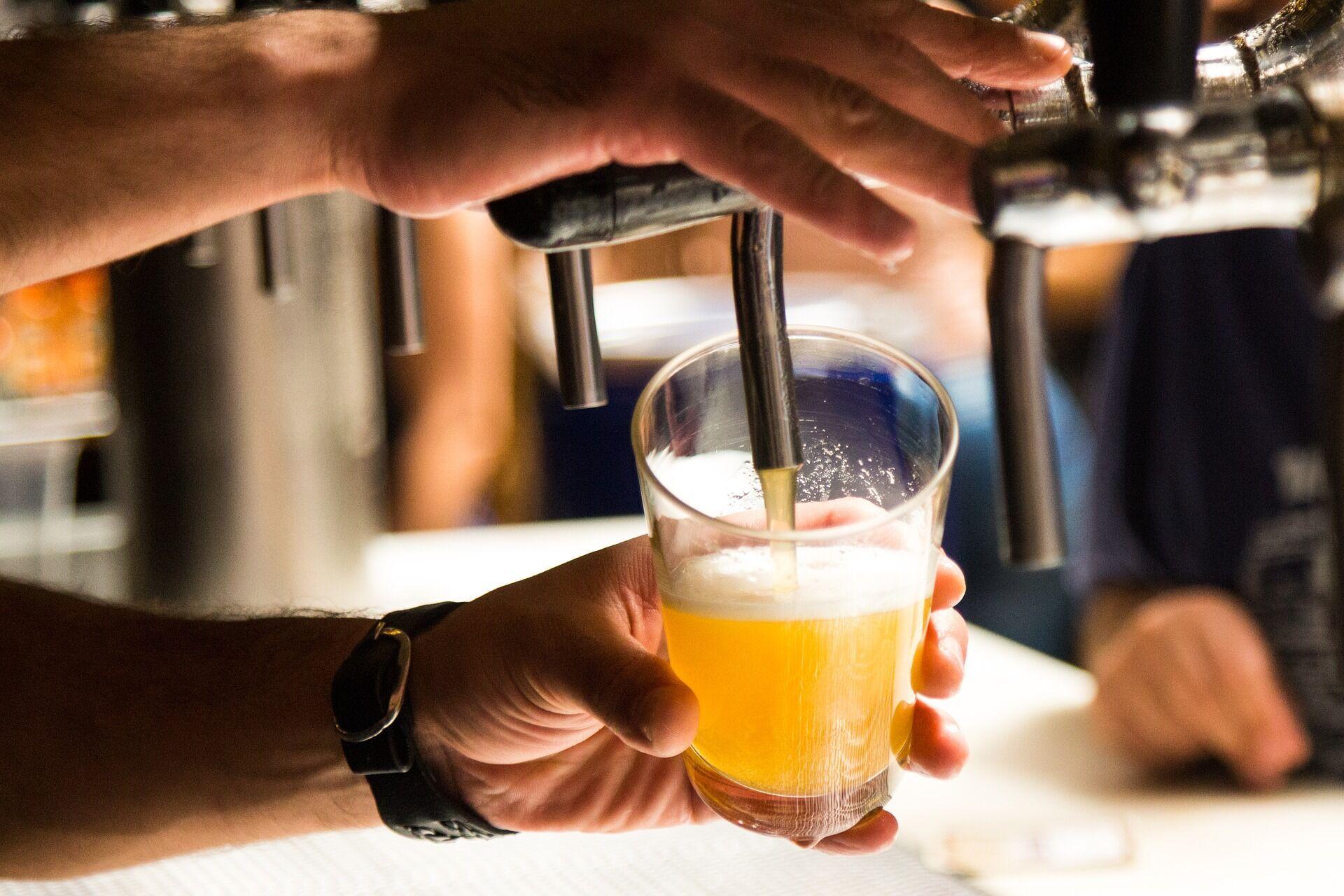 """Вживання великої кількості алкогольних напоїв у спекотну погоду – """"найгірше, що можна зробити"""""""