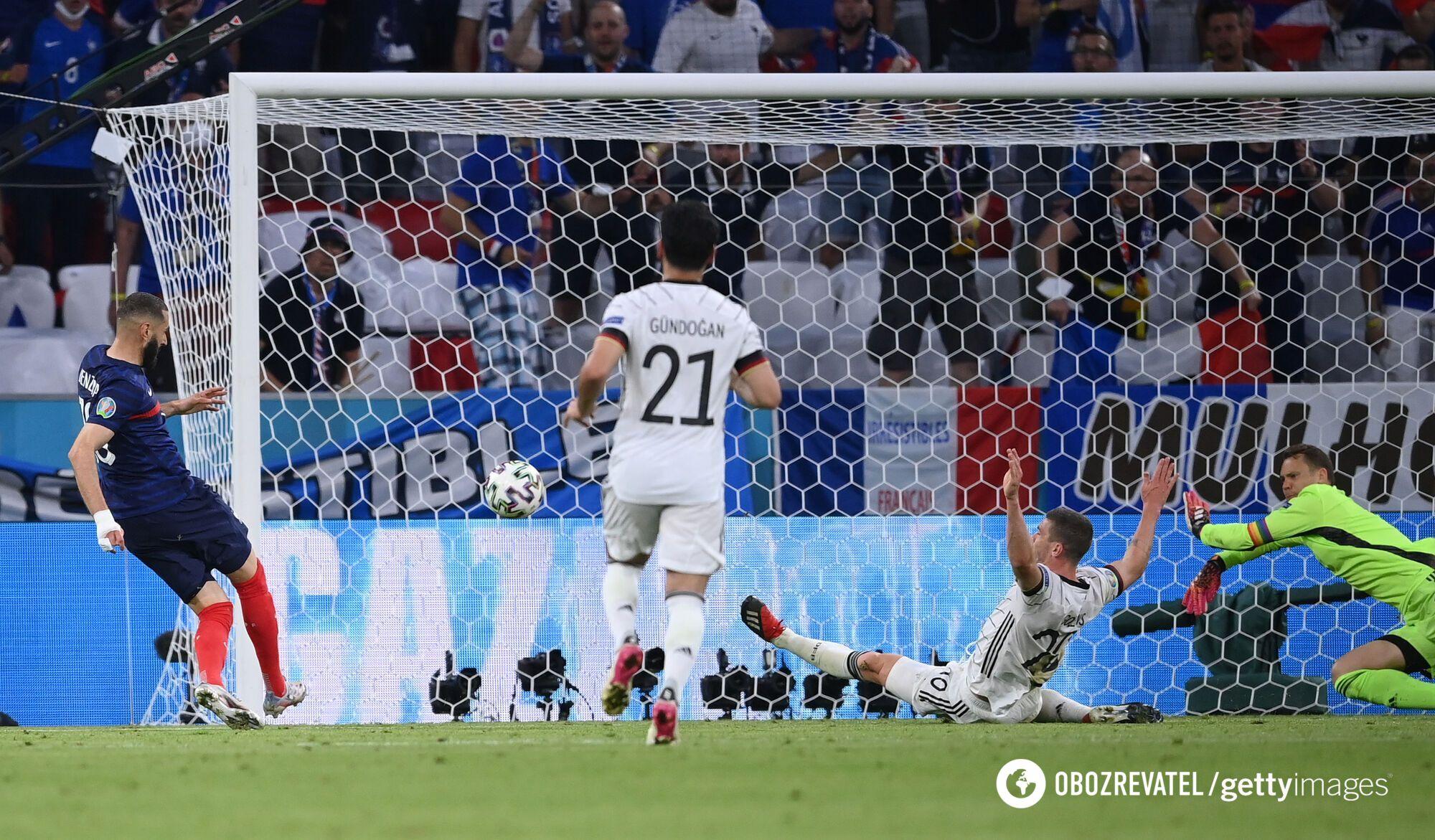 Франция забила второй мяч