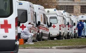 У російських лікарнях знову черги із швидких