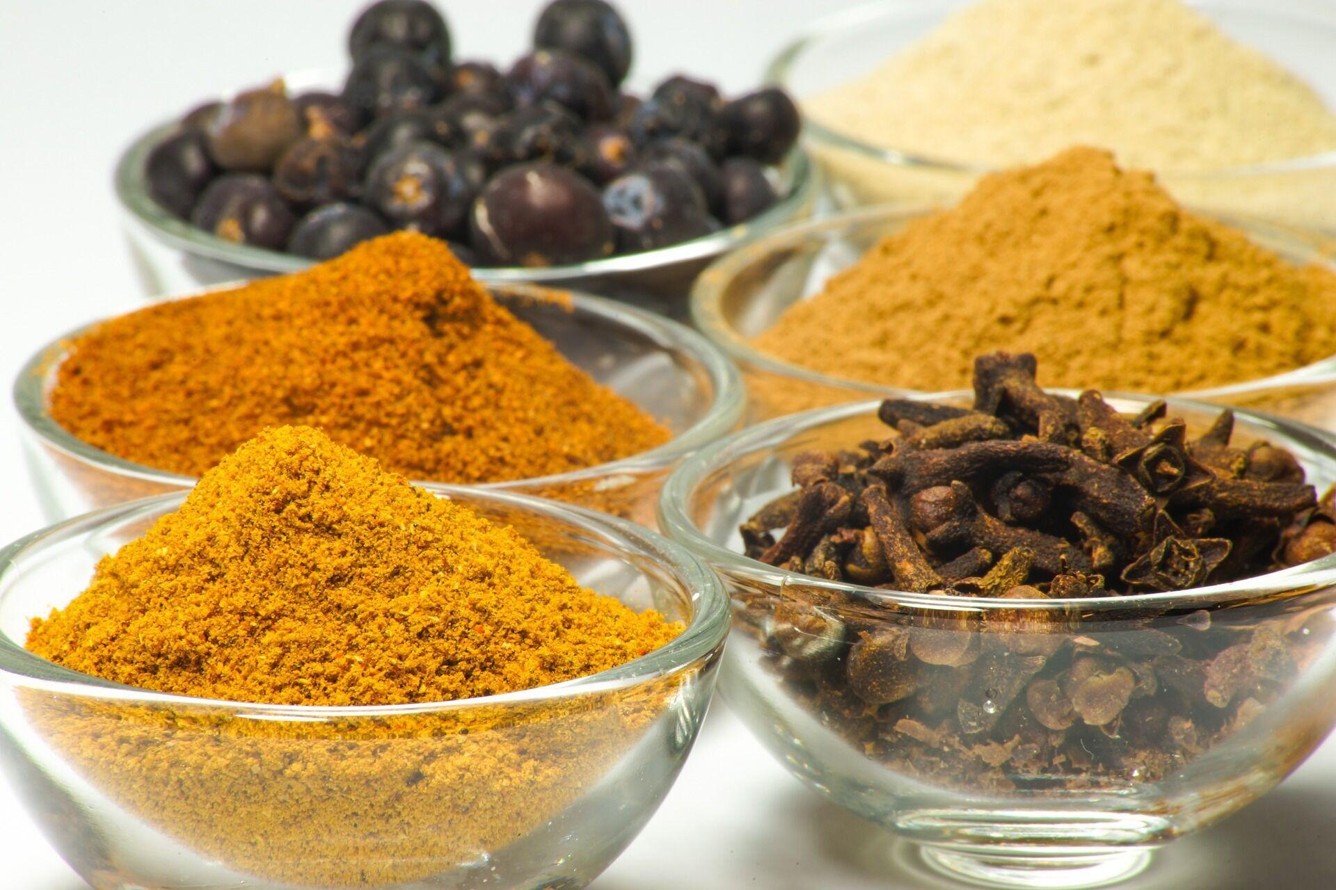 Гаряча, гостра їжа сприяє більш тривалому охолодженню, ніж холодна