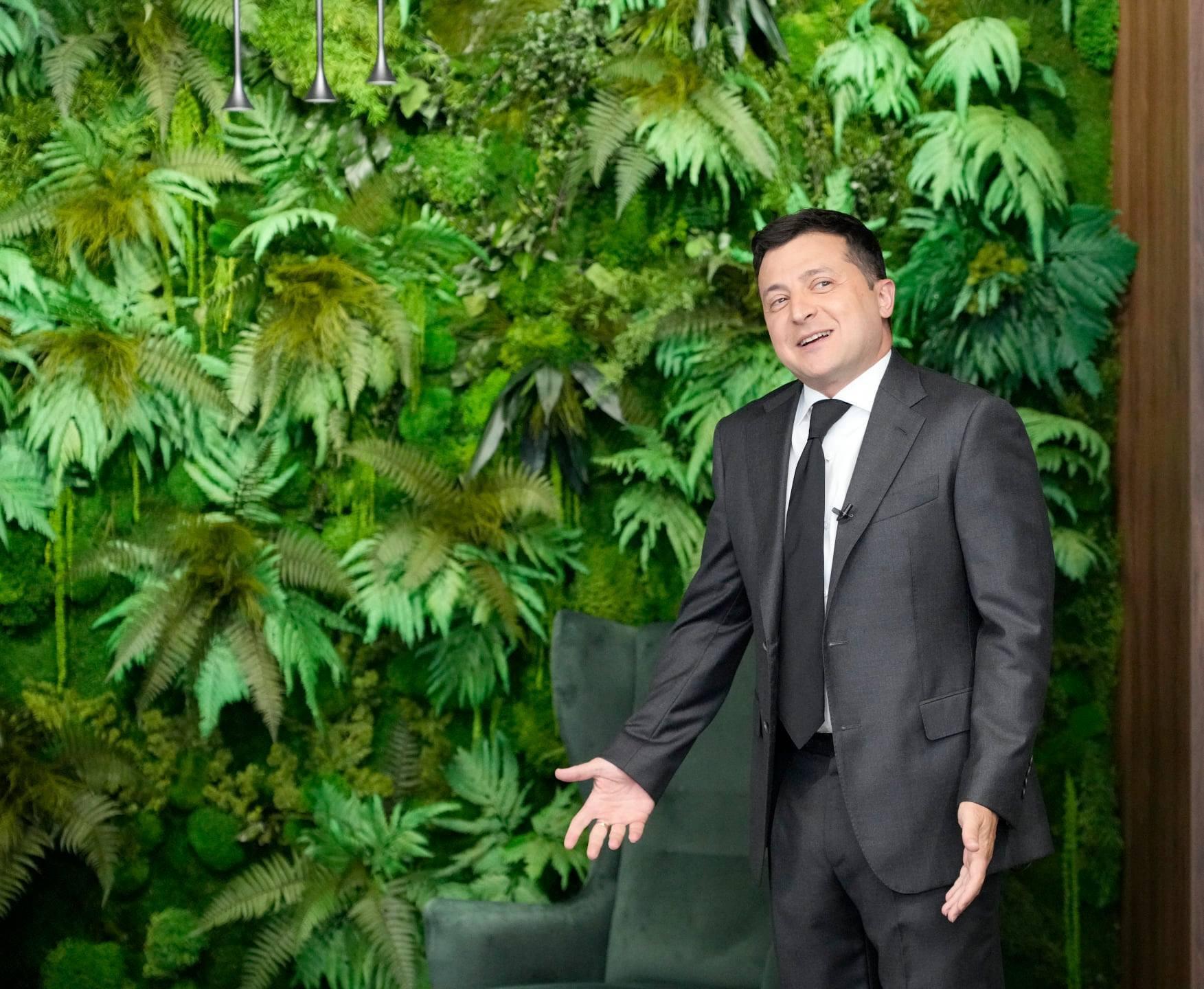 Зеленский в новом кабинете на Банковой.