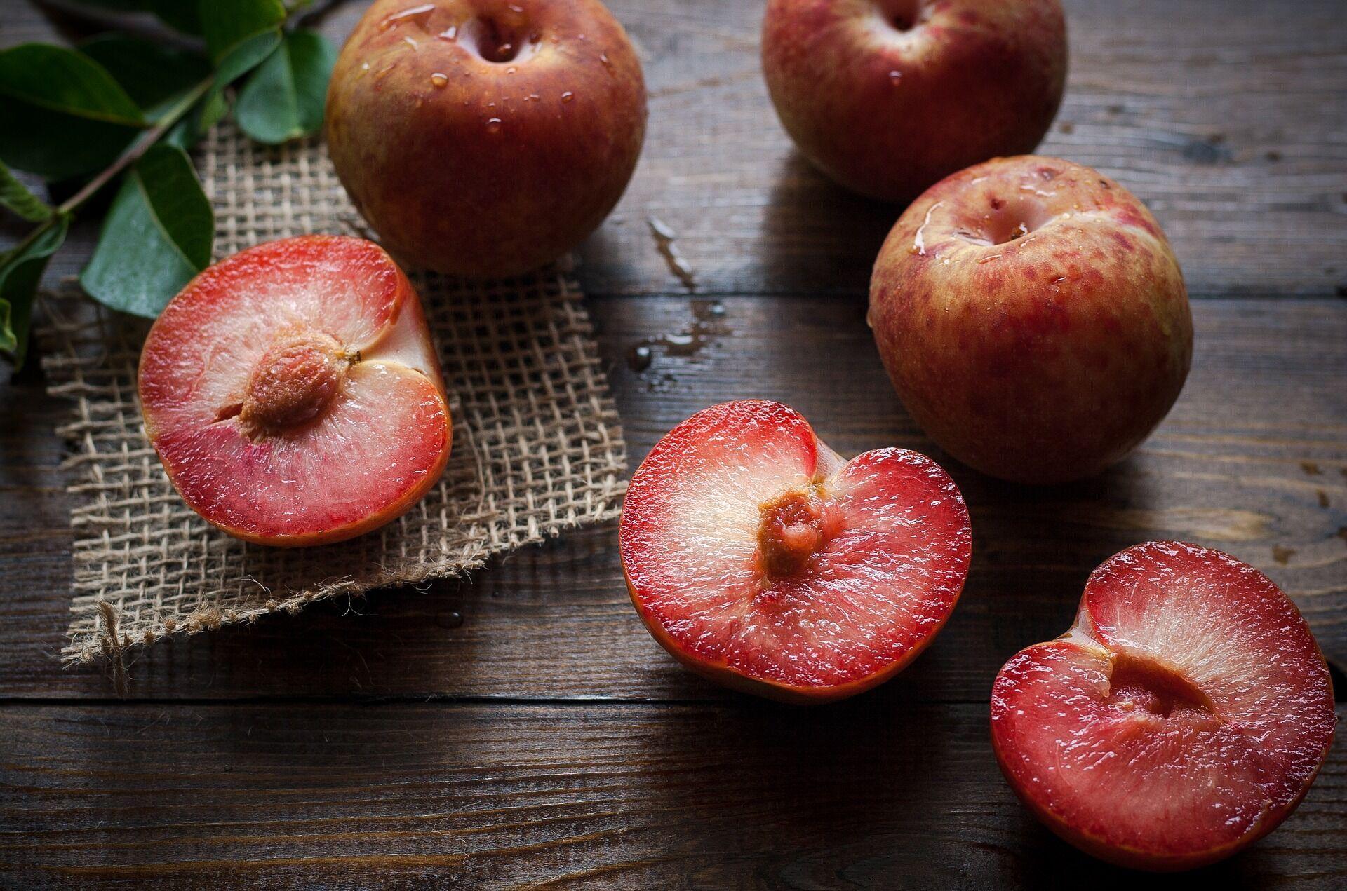 Любые фрукты можно использовать для закуски
