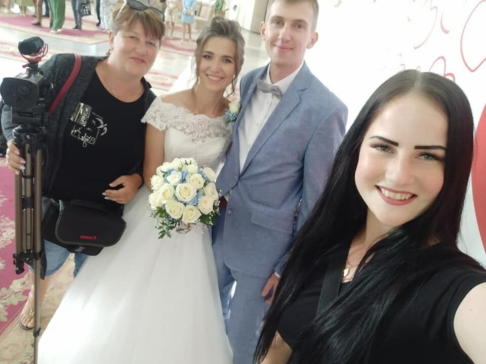 Виктор и Ирина поженились два года назад