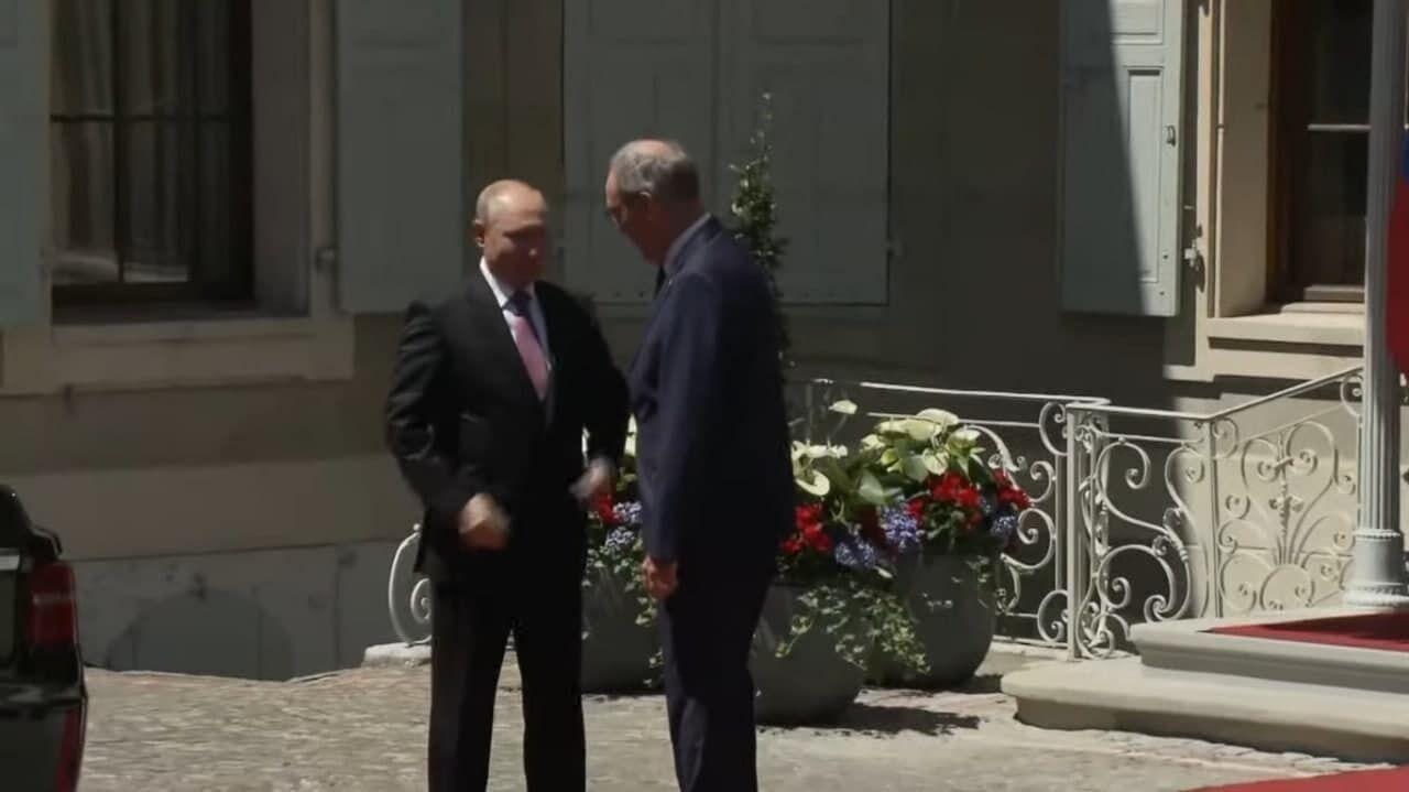 Путина встретил президент Швейцарии.