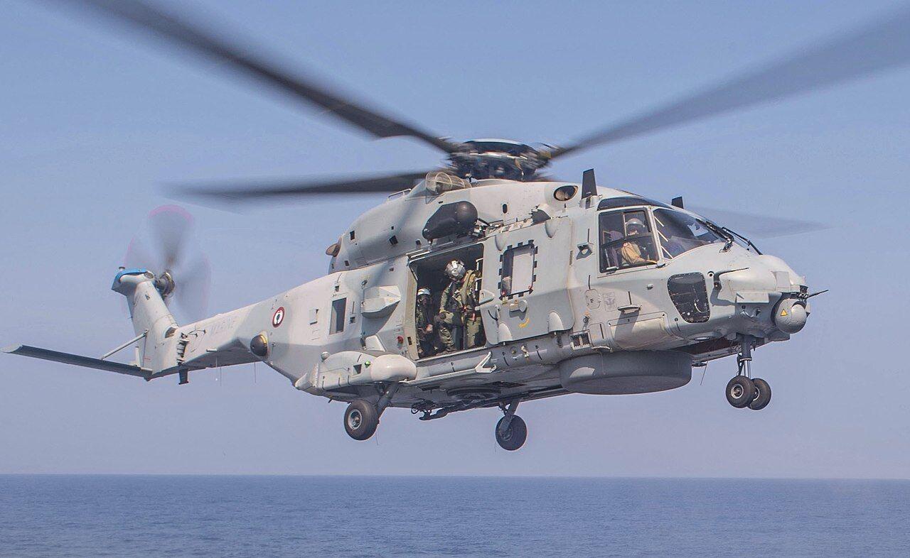 Боевой вертолет морского назначения NH90