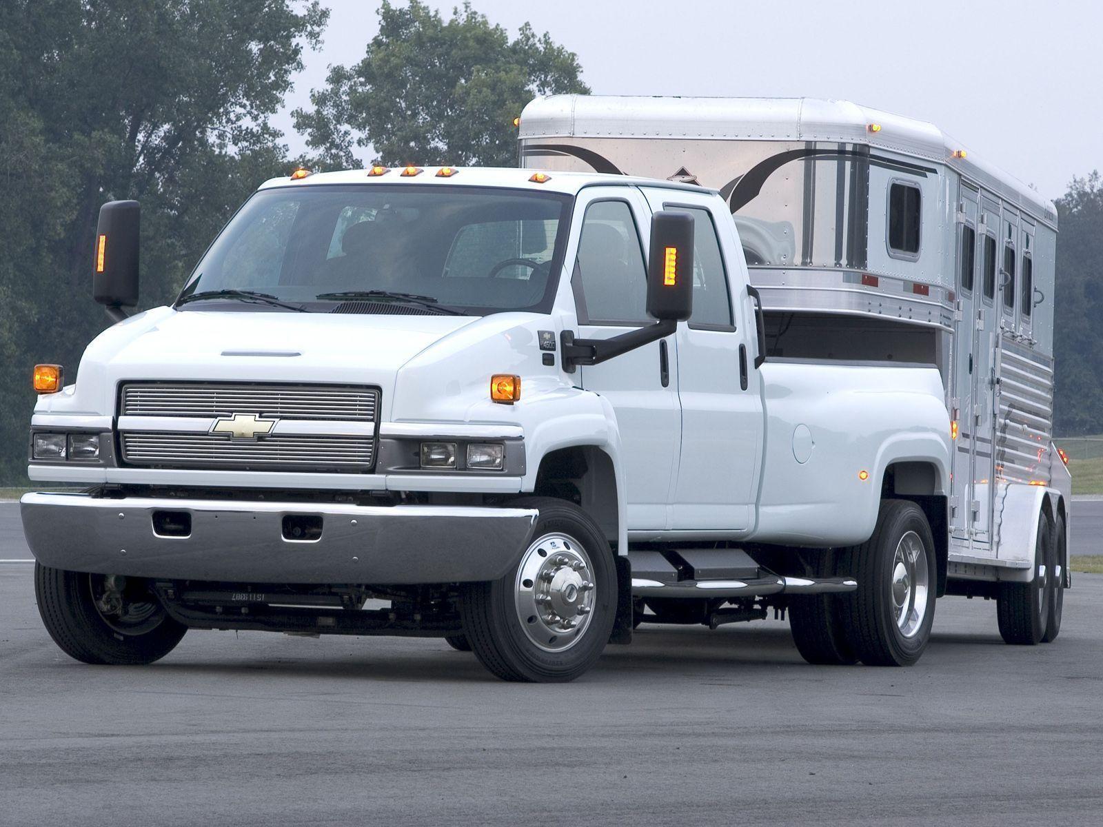 Chevrolet C4500 Kodiak Pickup – один из крупнейших пикапов, которые можно приобрести