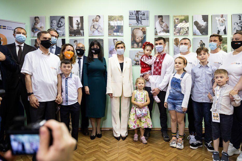 Зеленская посетила Полтаву и показала белый костюм