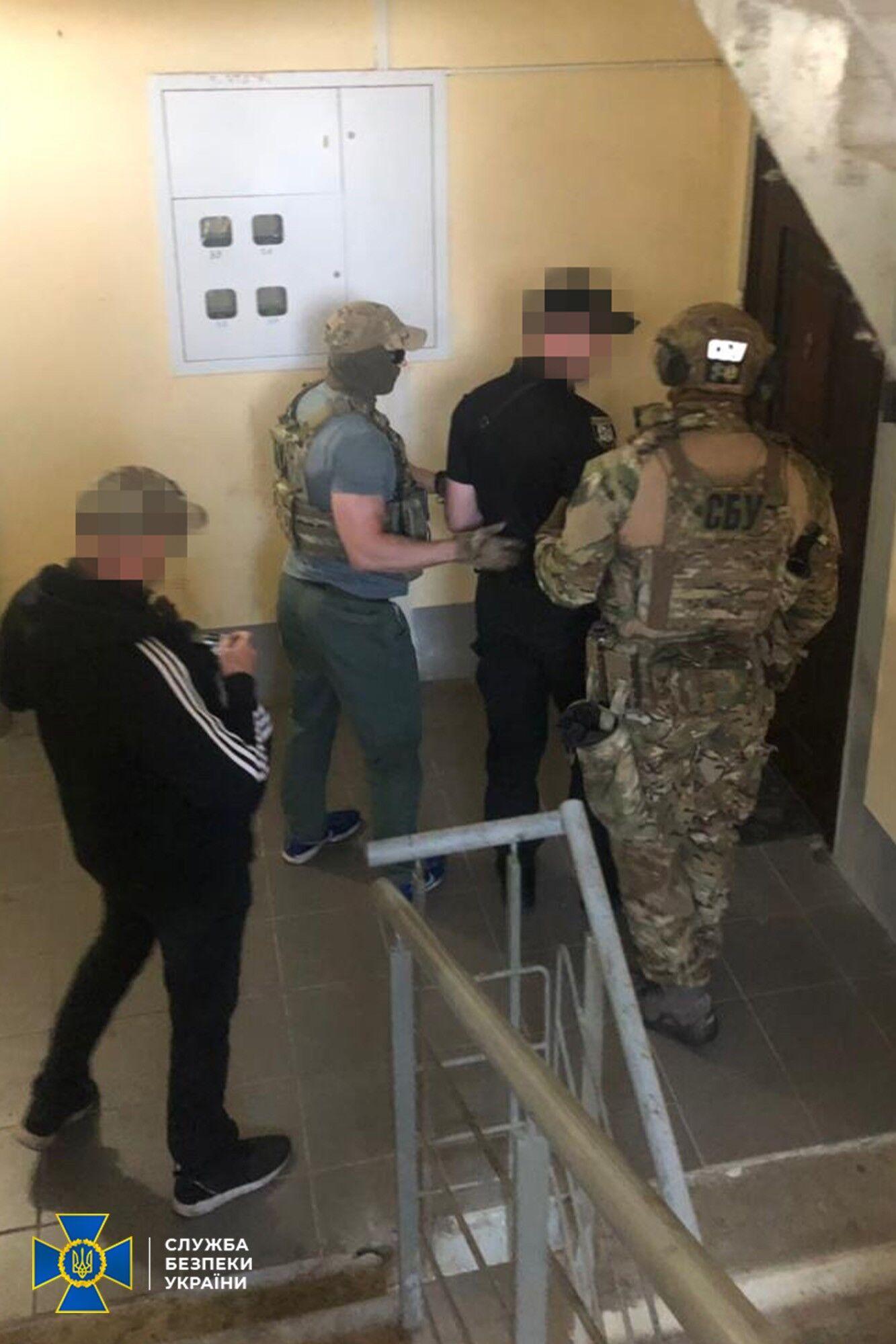 Затримання українця