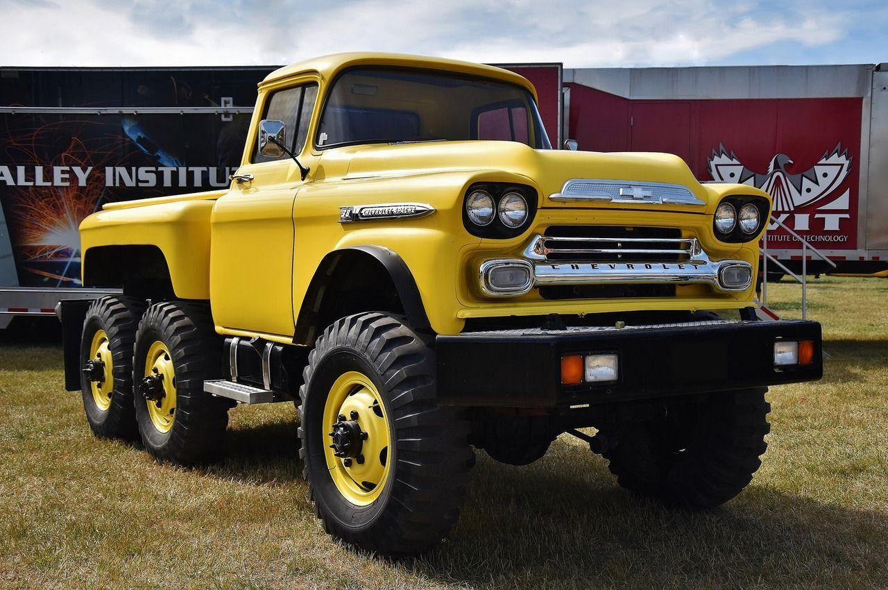Chevrolet Apache 38 6x6, созданный на базе пикапа Chevrolet