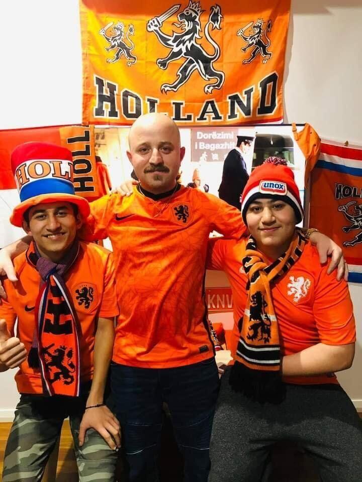 Амстердам готов поддержать свою сборную.