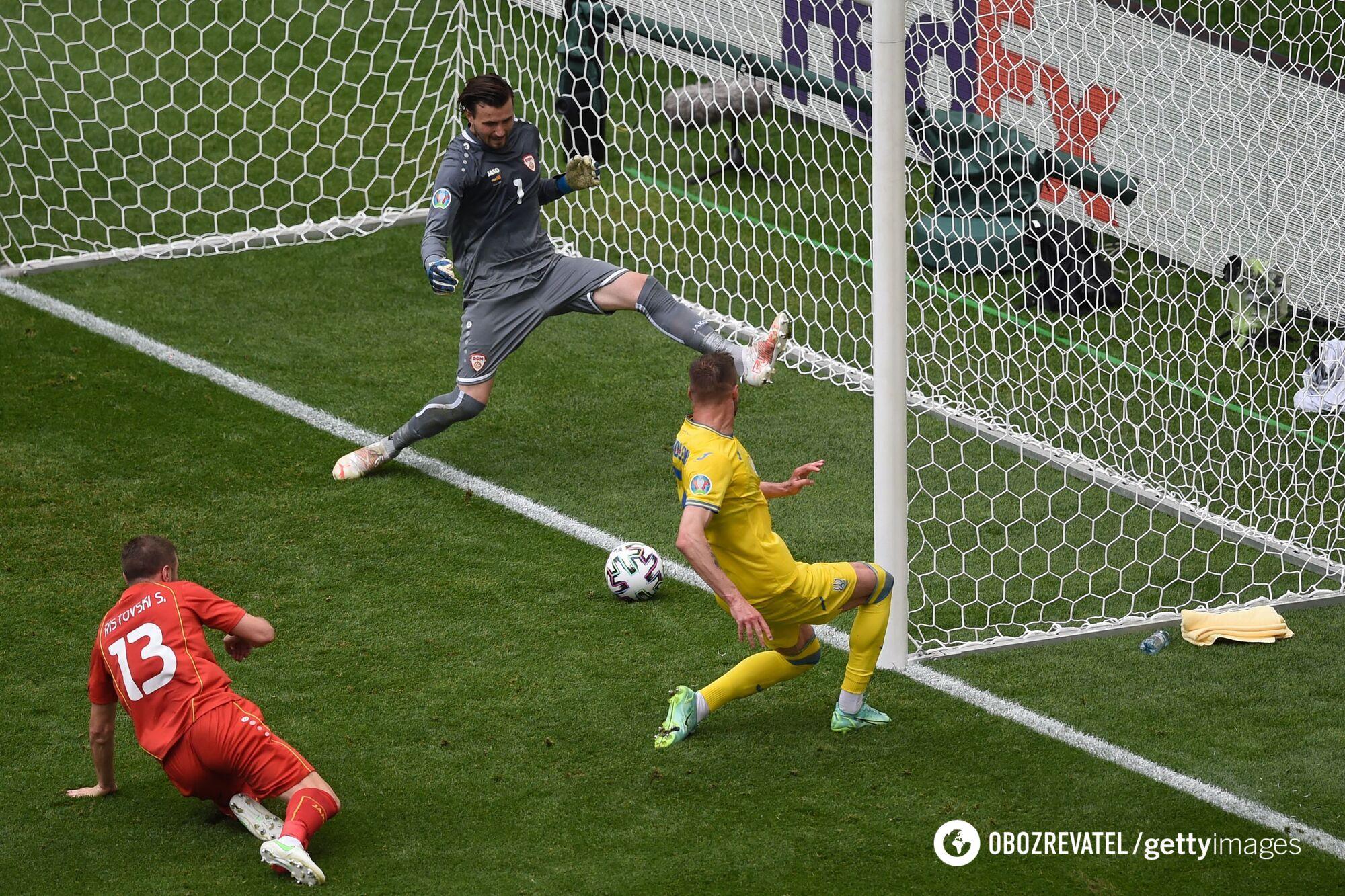 Ярмоленко забив перший гол у ворота македонців, а Яремчук подвоїв рахунок.