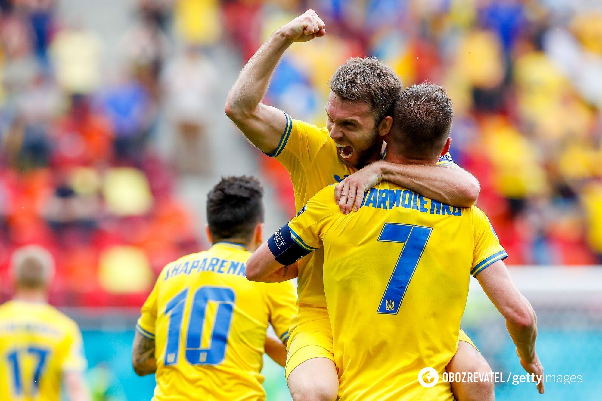 Александр Караваев и Андрей Ярмоленко празднуют гол в ворота македонцев