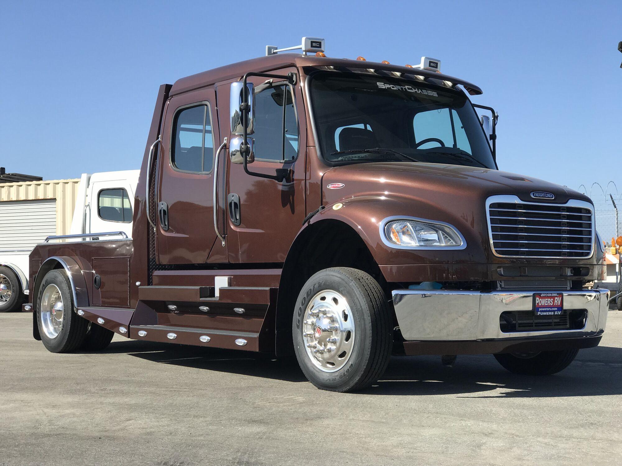 SportChassis Freightliner создали для перевозки животных и крупного груза