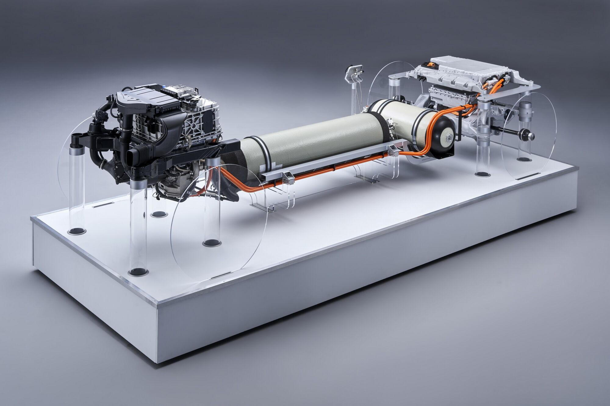 Схема расположения узлов и агрегатов водородного BMW i Hydrogen NEXT