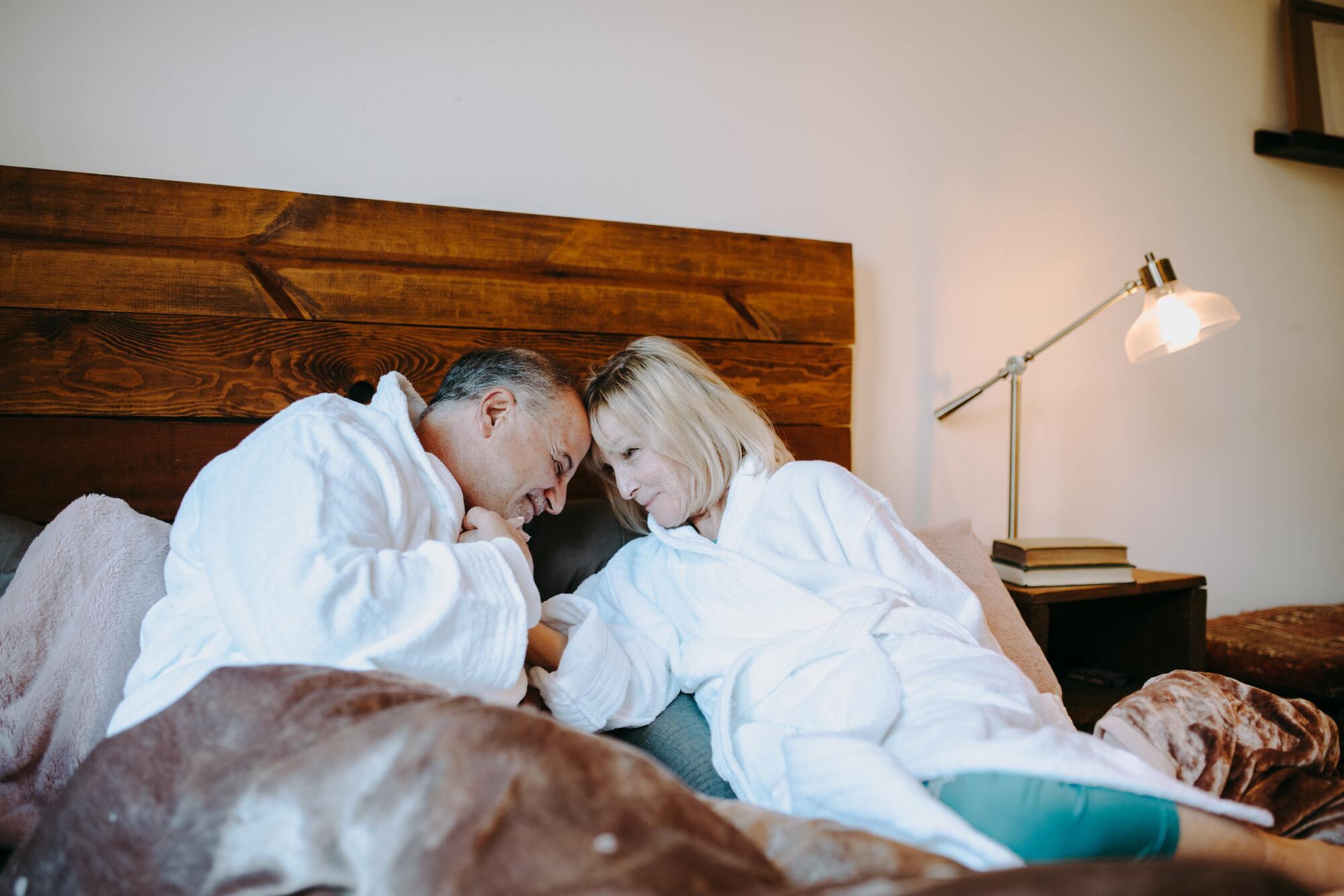 После 35 лет женщины страдают чаще всего от отсутствия оргазма и сексуального желания.