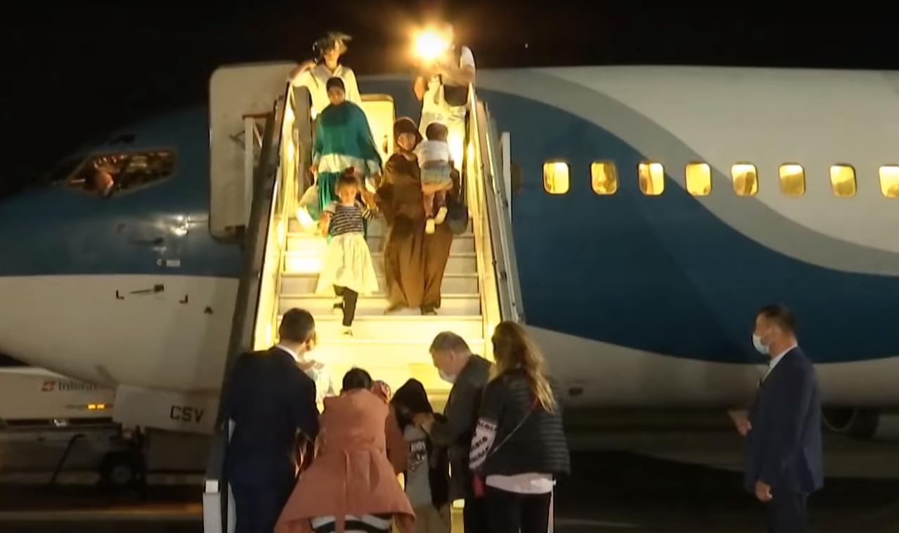 Возвращение украинки с детьми из Сирии.