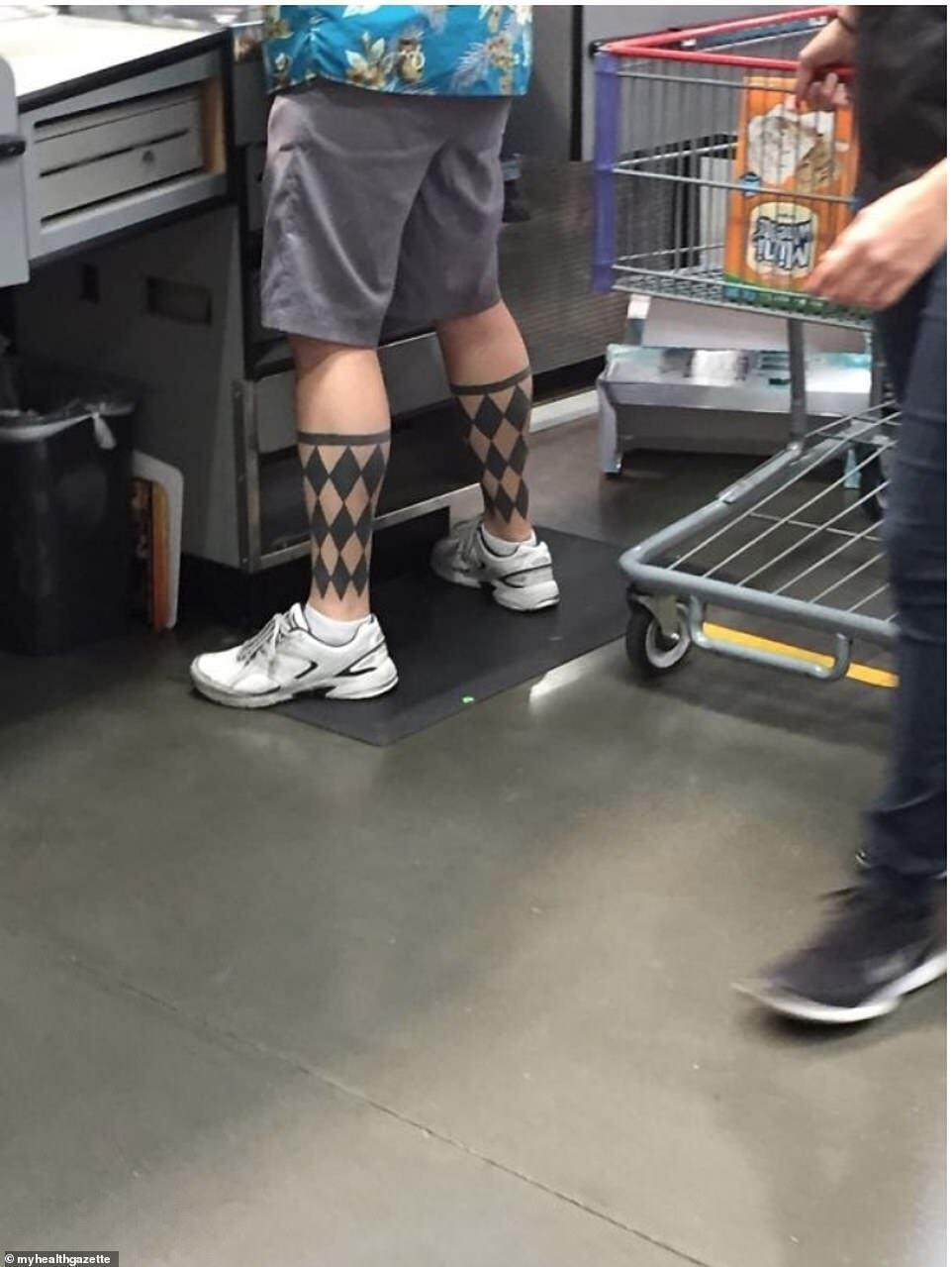 У прихильника тату є шкарпетки