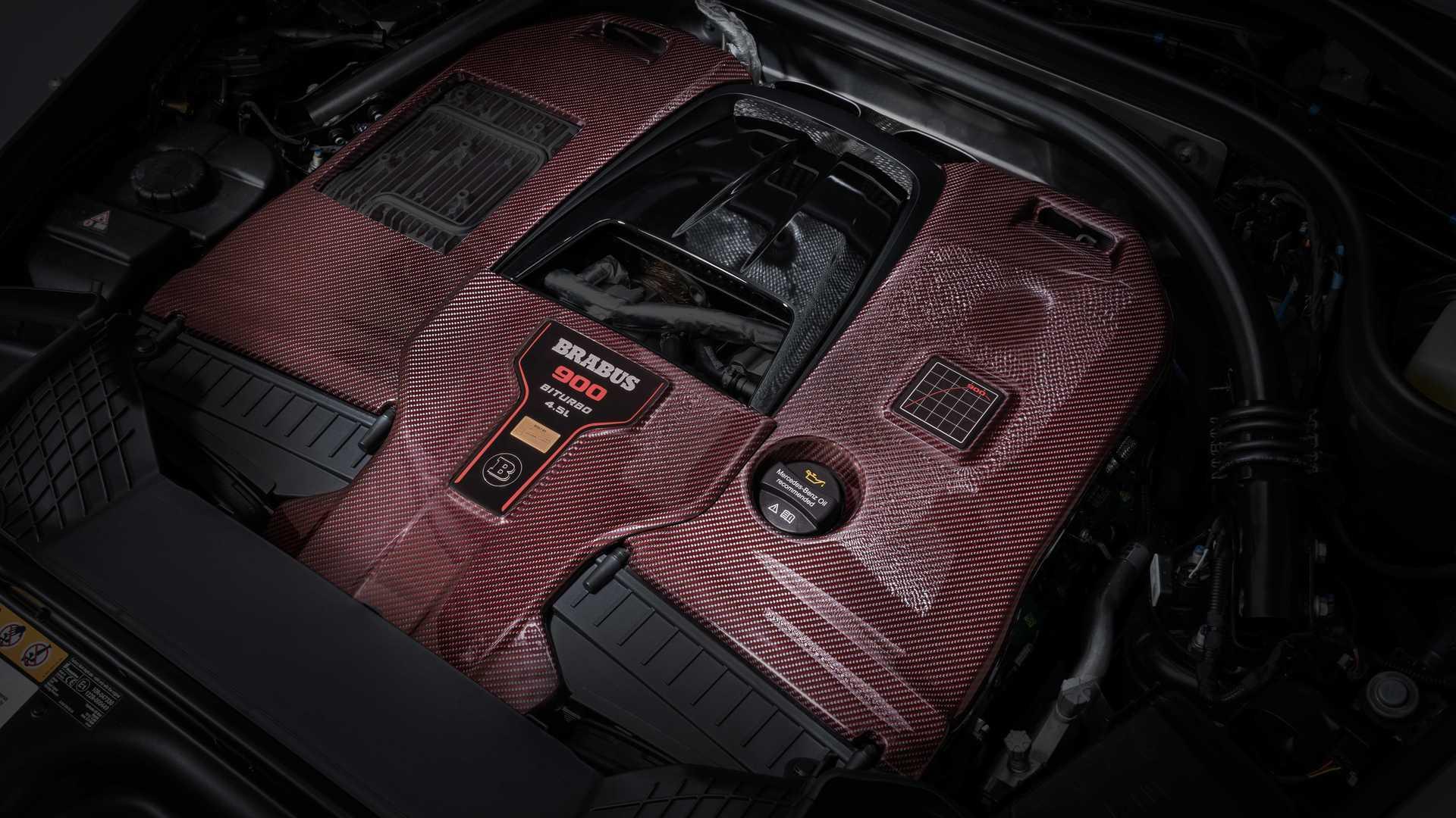 4,5-литровый двигатель V8, который выдает 900 лошадиных сил и 1250 Нм