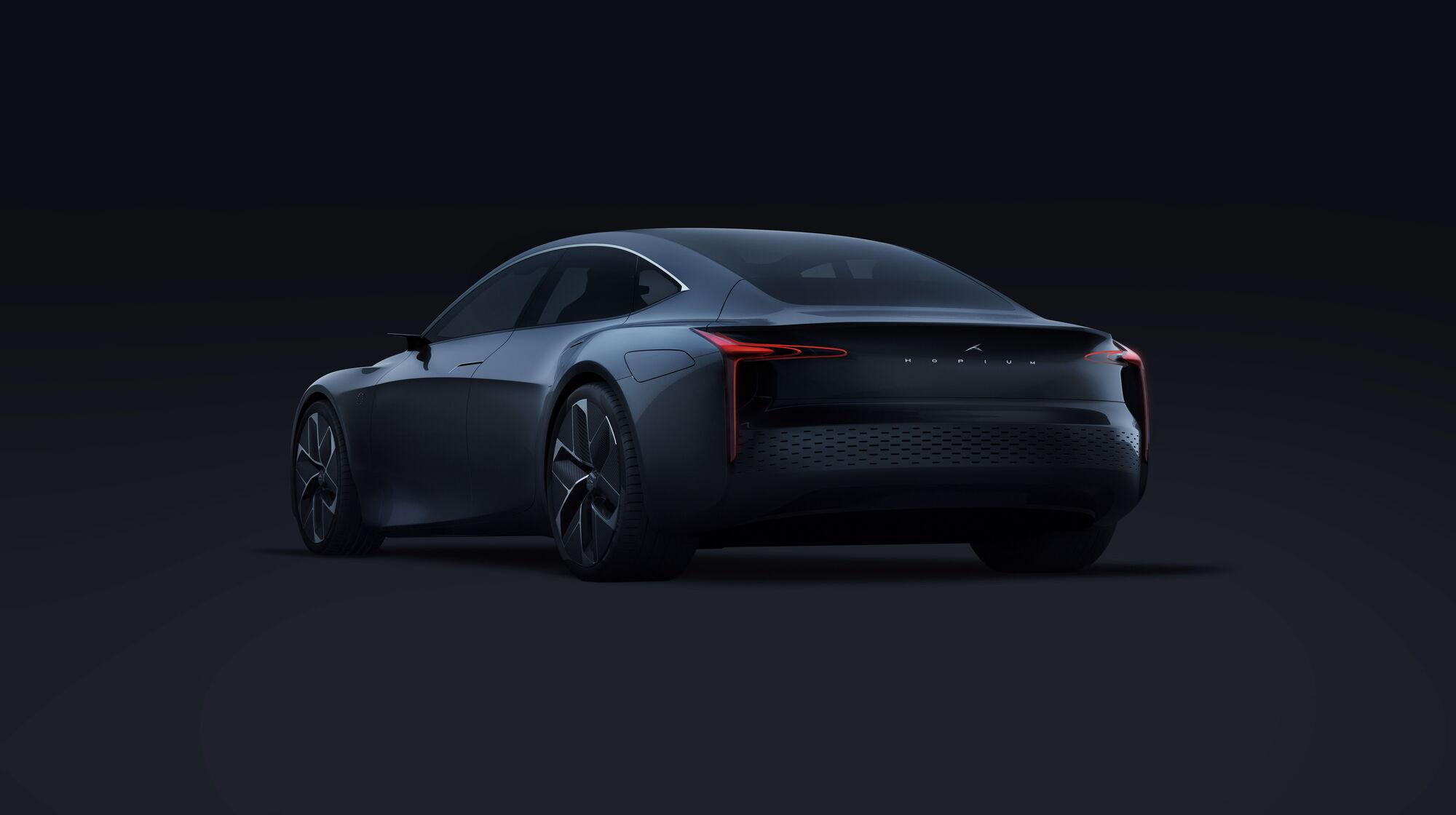 Максимальная скорость серийной модели будет не менее 230 км/ч