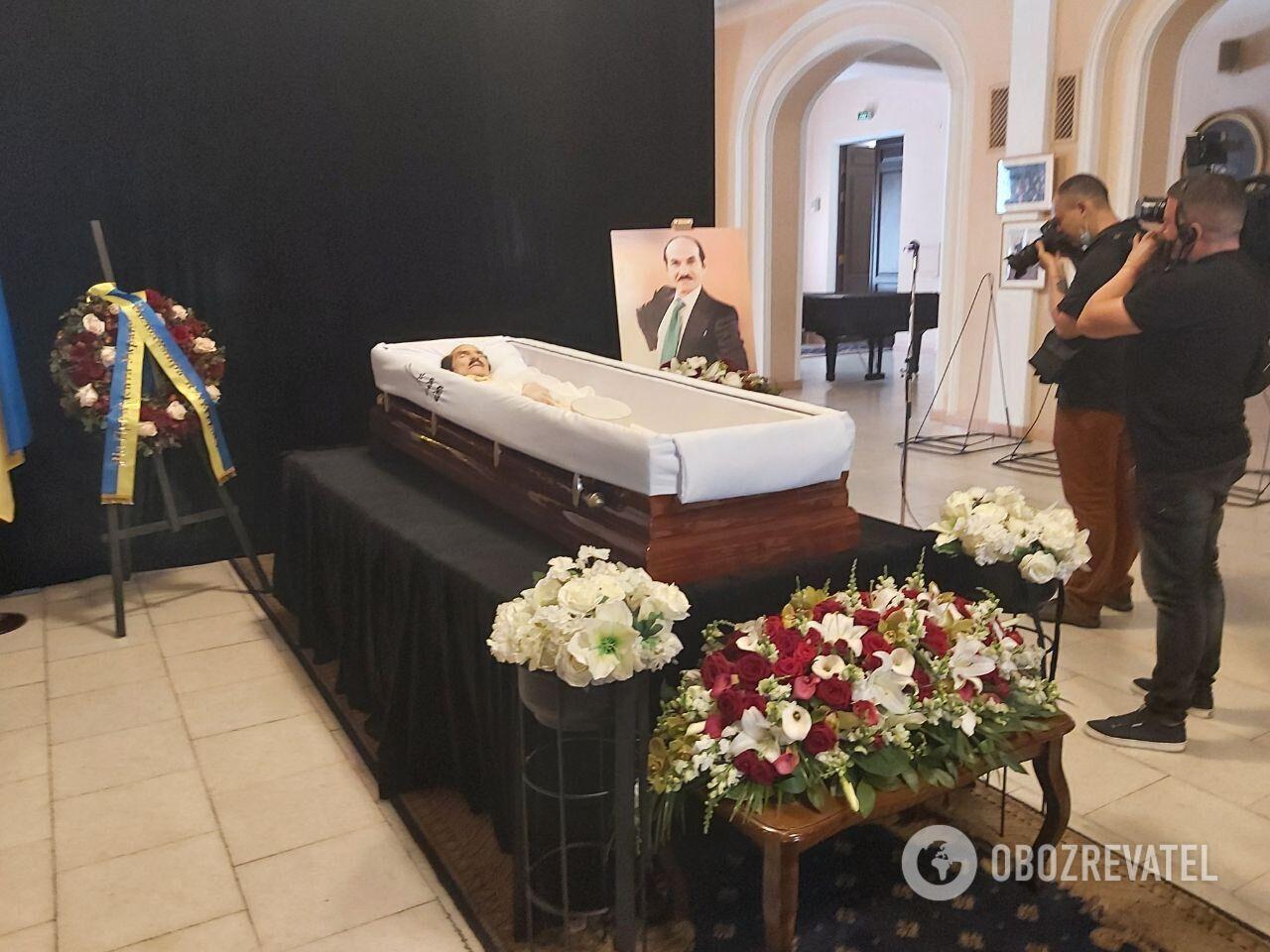 В Киеве прошла церемония прощания с Чапкисом.
