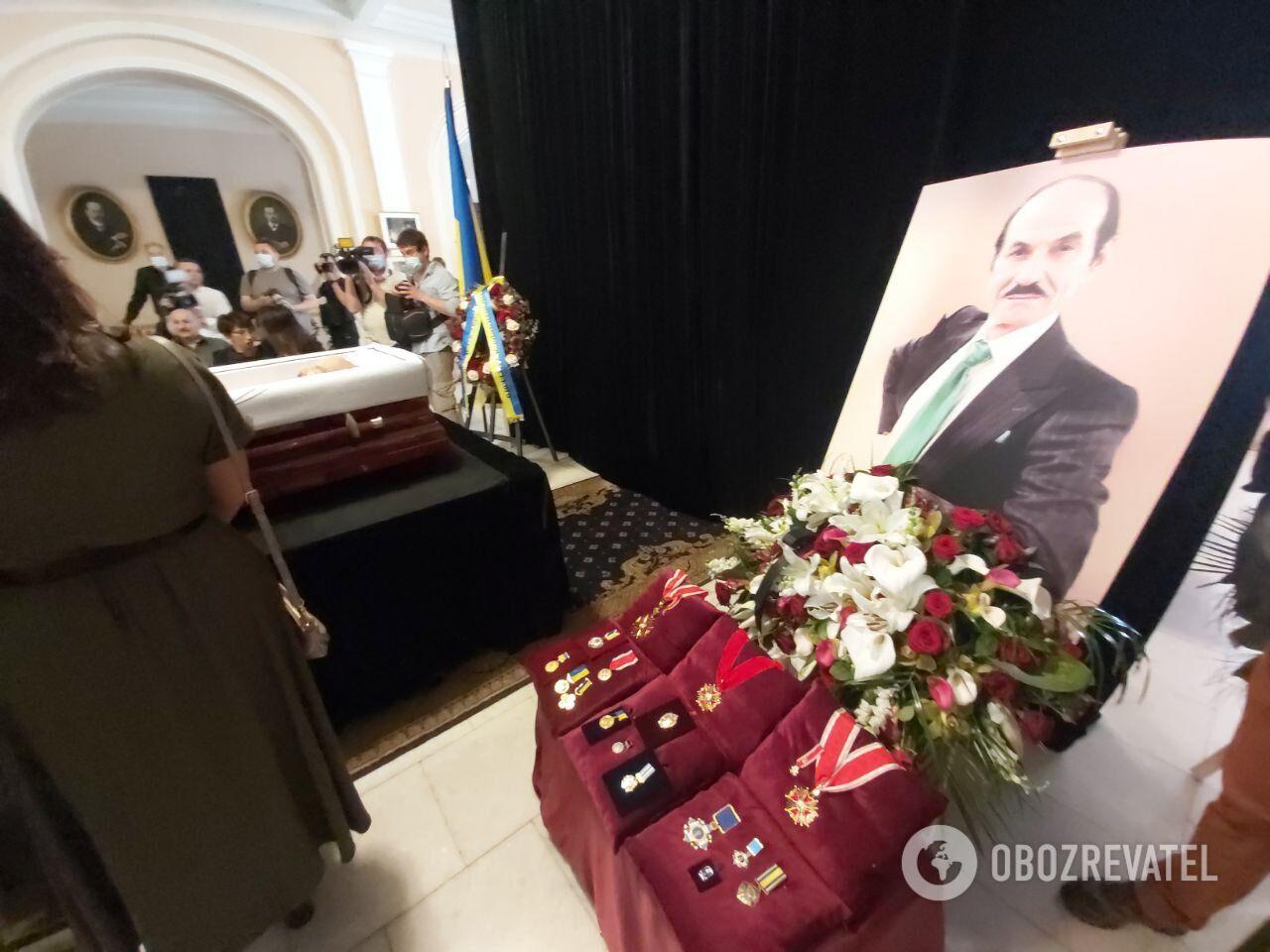 Церемония прощания с Григорием Чапкисом.