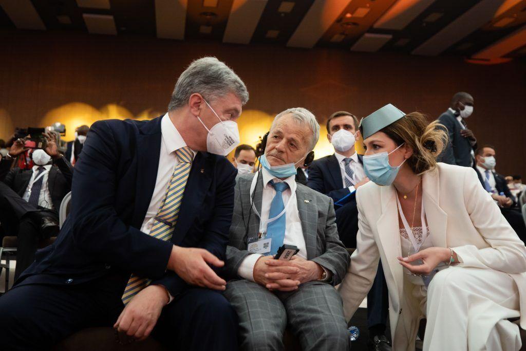 Порошенко відвідав Анталійський дипломатичний форум