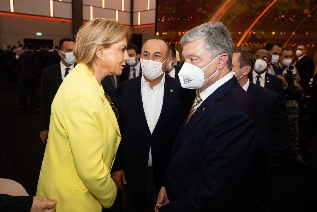 Порошенко відзначив важливість участі Євросоюзу в установчому саміті Кримської платформи у Києві.