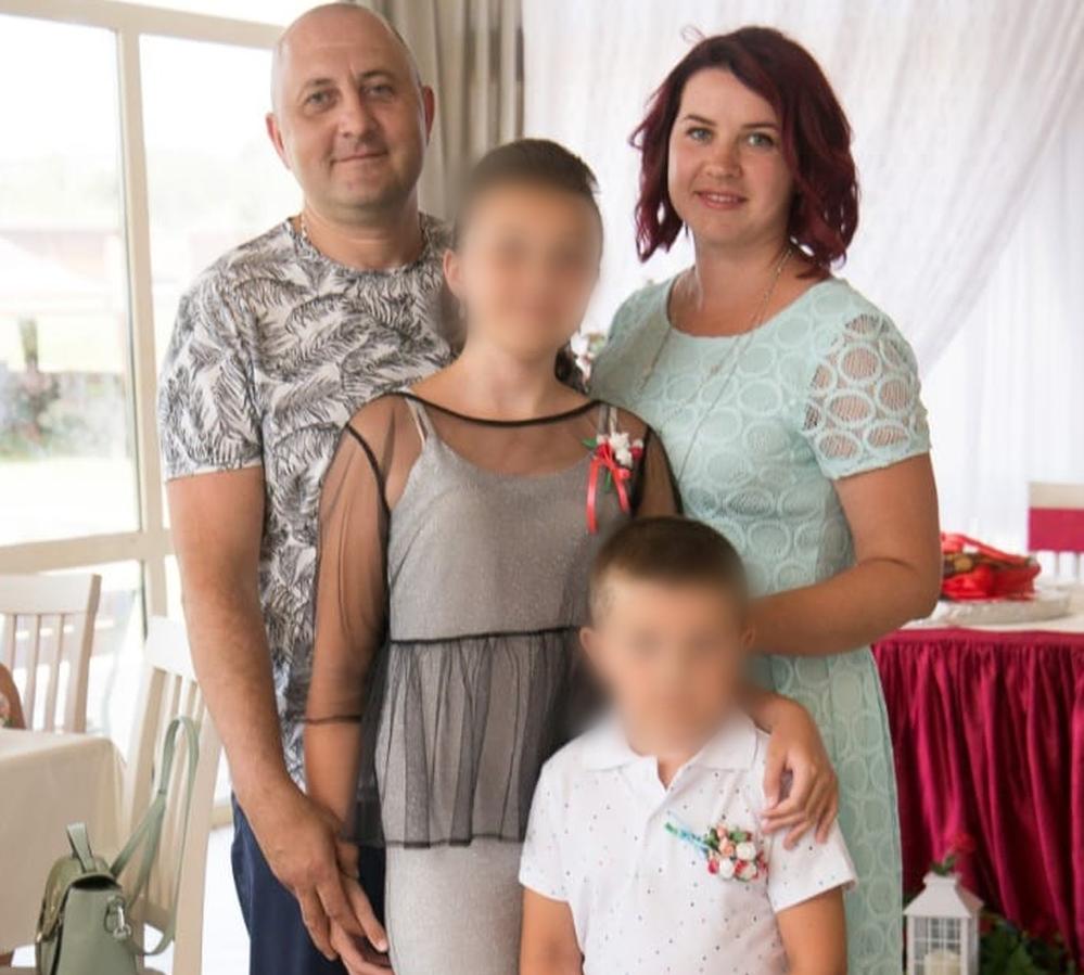 34-річна Тетяна Луновська з чоловіком і дітьми до події в школі.
