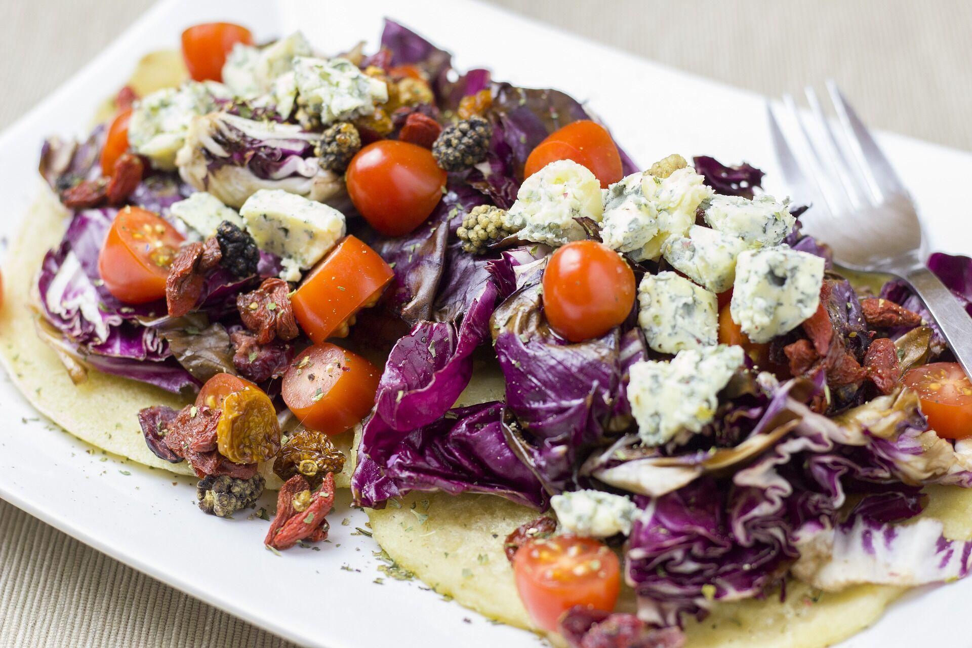 Блин с сыром и овощами