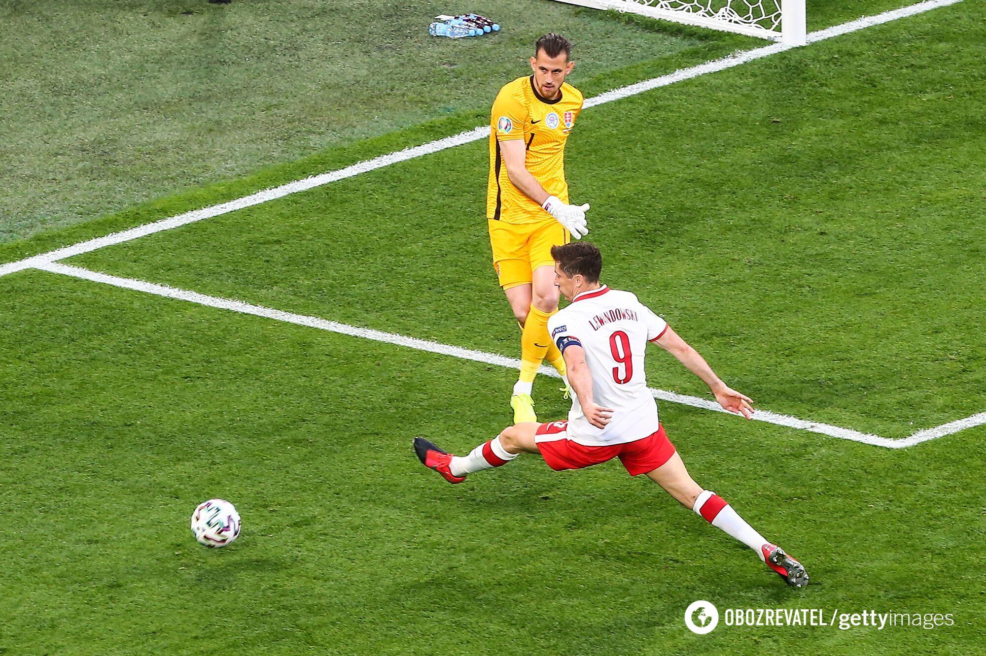Польша в первом туре проиграла Словакии.