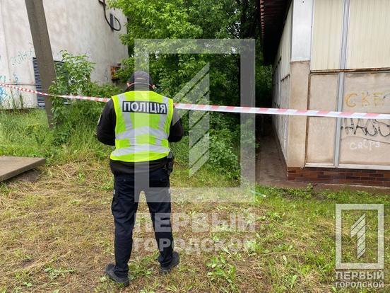 Повешенным на дереве мужчину обнаружили представители одной из воинских частей