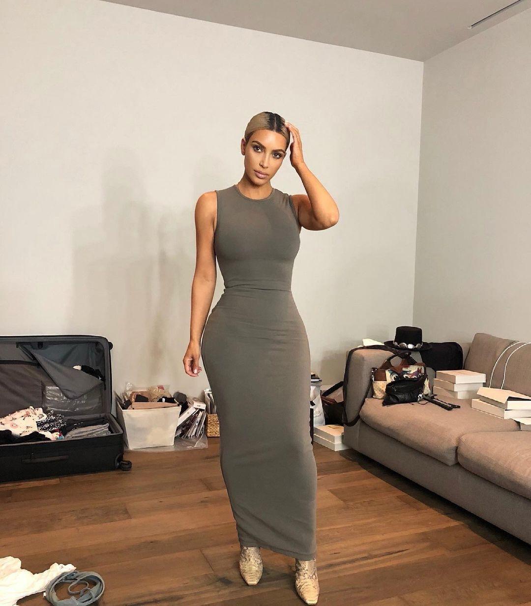 Ким Кардашьян показывала свою жизнь еще до того, как это стало модным