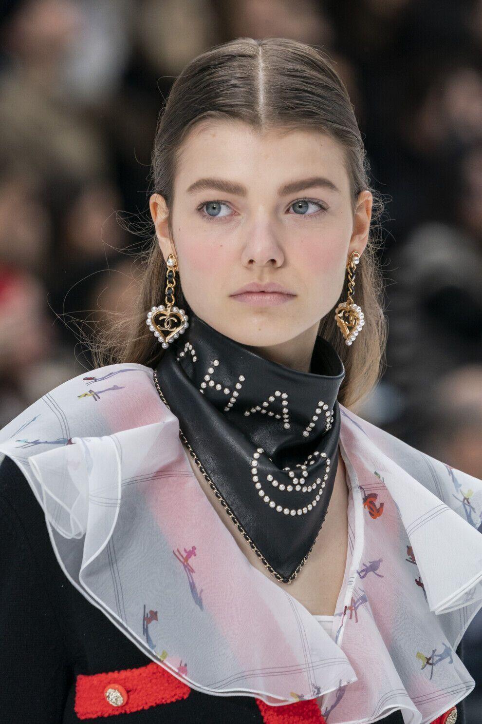 Тренд літа 2021 – сережки з перлами