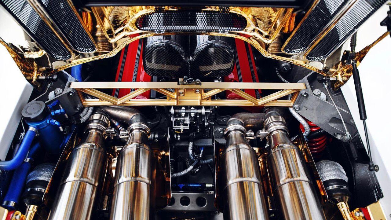 Золотий моторний відсік McLaren F1