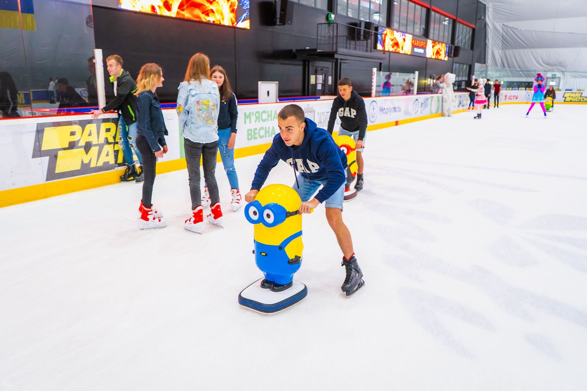 Відвідати літній дитячий табір на льоду Mariupol Ice Center можуть всі охочі