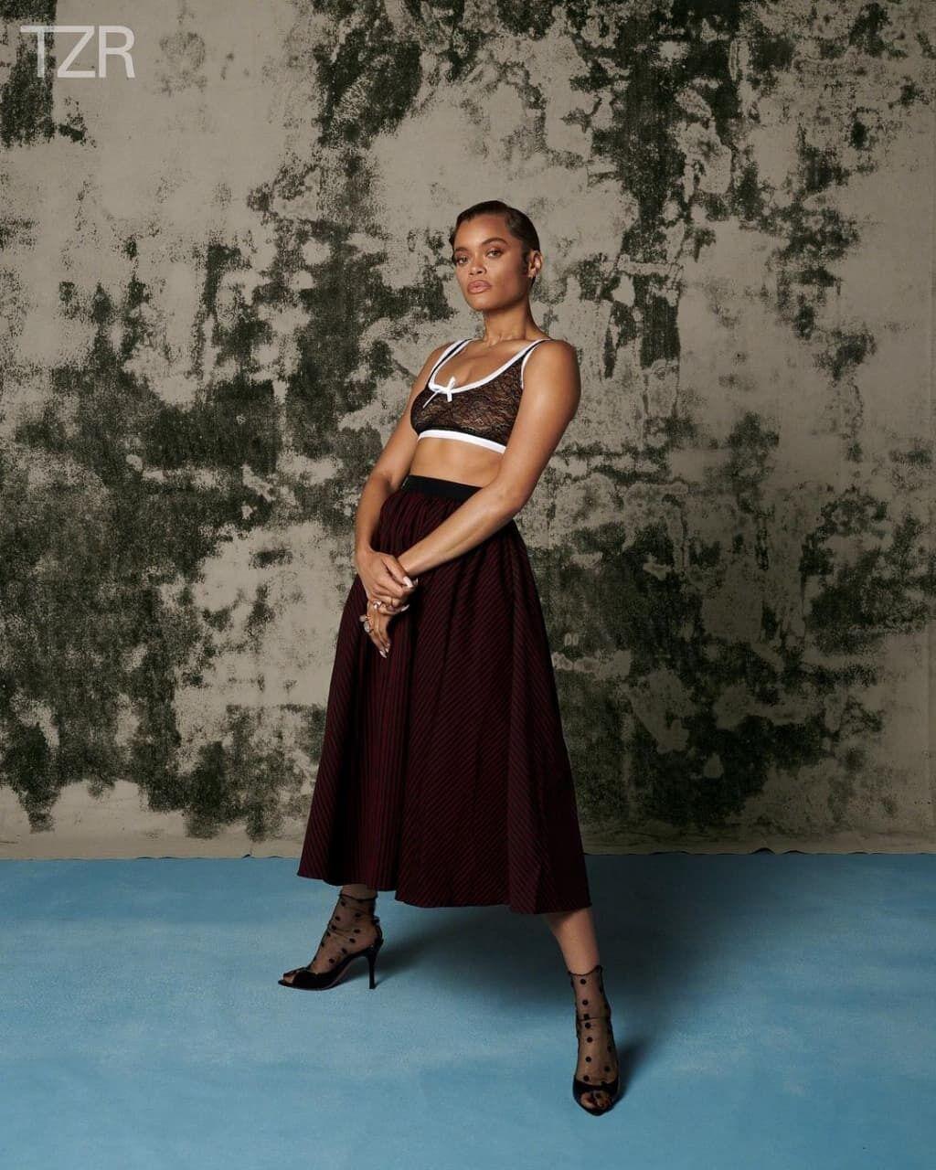 Андра Дэй снялась в фотосессии.