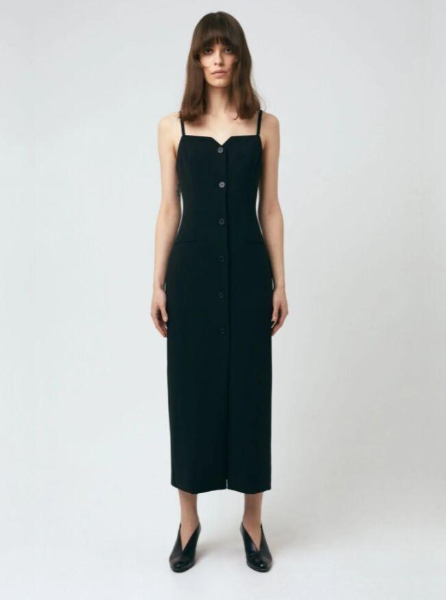 Наряд прекрасно дополнит гардероб высокой девушки