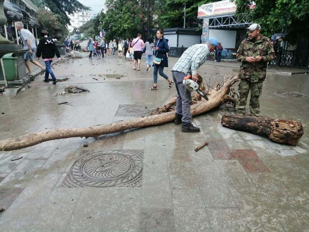 Наслідки потопу в Ялті