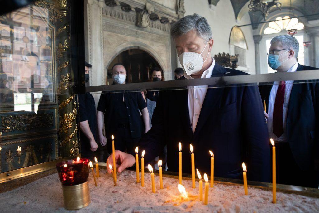 Порошенко в Турции поблагодарил Патриарха Варфоломея за любовь к Украине. Фото встречи