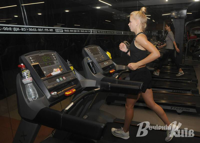 Катерина Долган встановила рекорд України з бігу на тренажері.